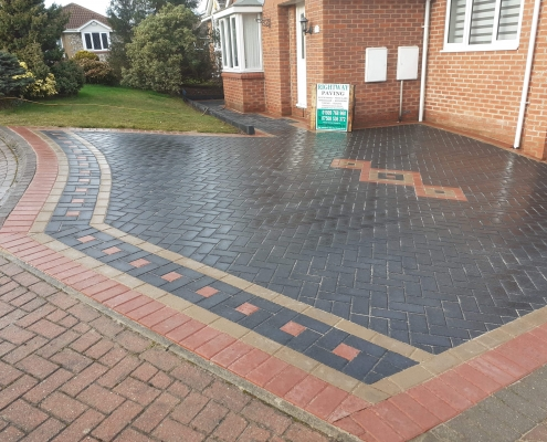 block paving driveway patterned